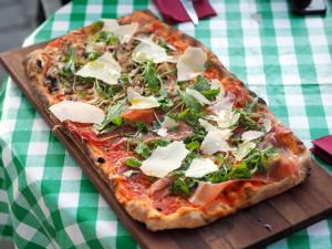 pizzeria_posto_al_sole_pizza_momo_brussels_smarksthespots_blog