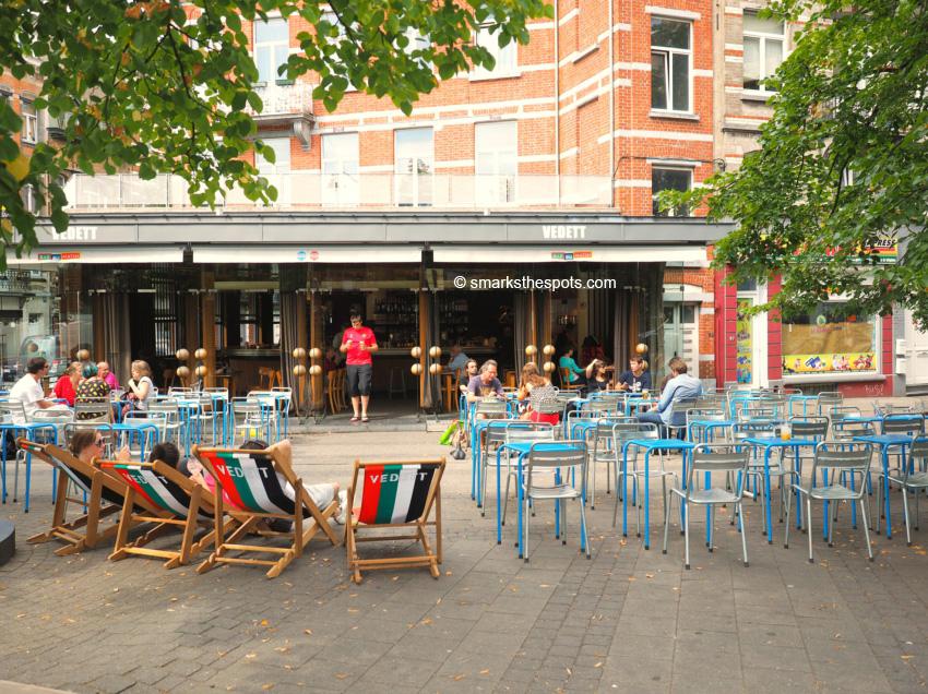 Le bar du matin s marks the spots for Le comptoir du meuble bruxelles