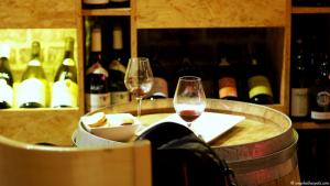 oenotk_wine_bar_brussels_smarksthespots_blog