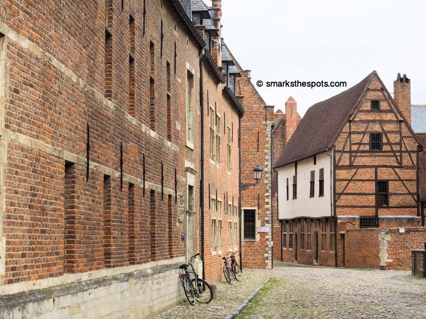 Groot_Begijnhof_leuven_belgium_smarksthespots_blog_02