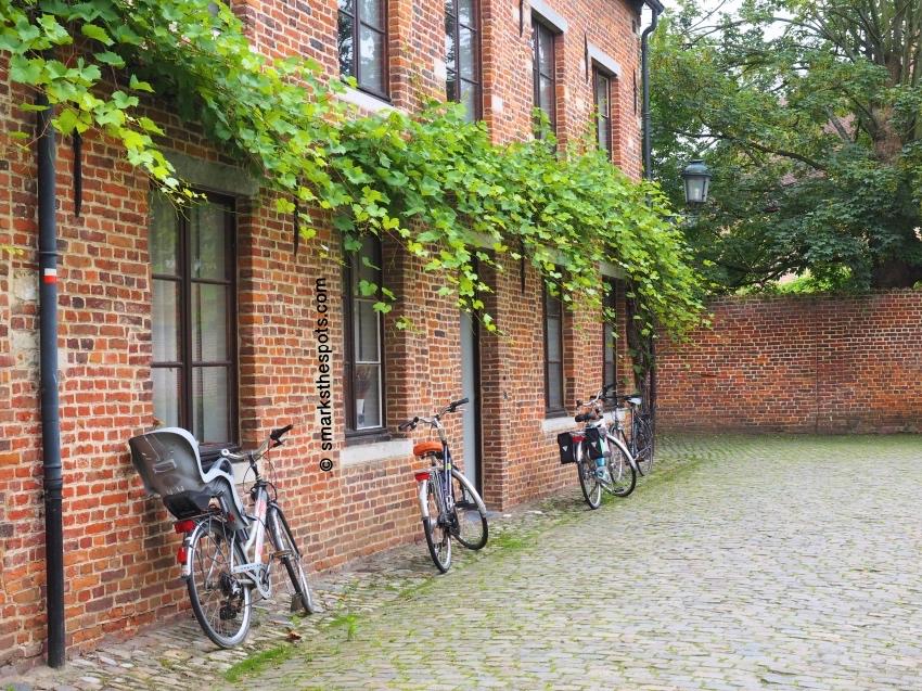 Groot_Begijnhof_leuven_belgium_smarksthespots_blog_04